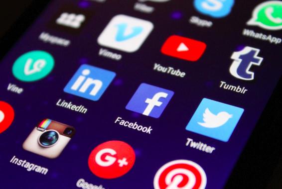 social media icons, facebook, twitter, instagram