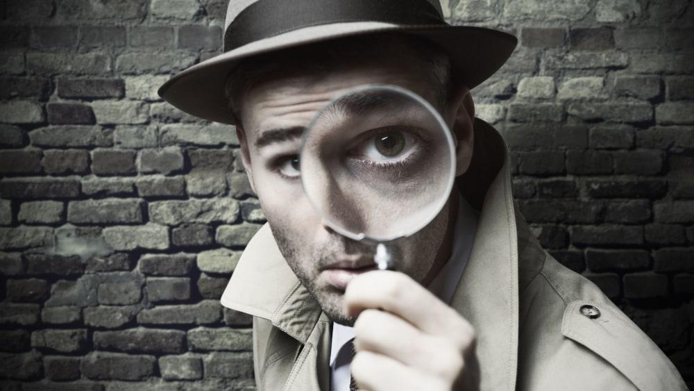 Black and white image of hardboiled detective