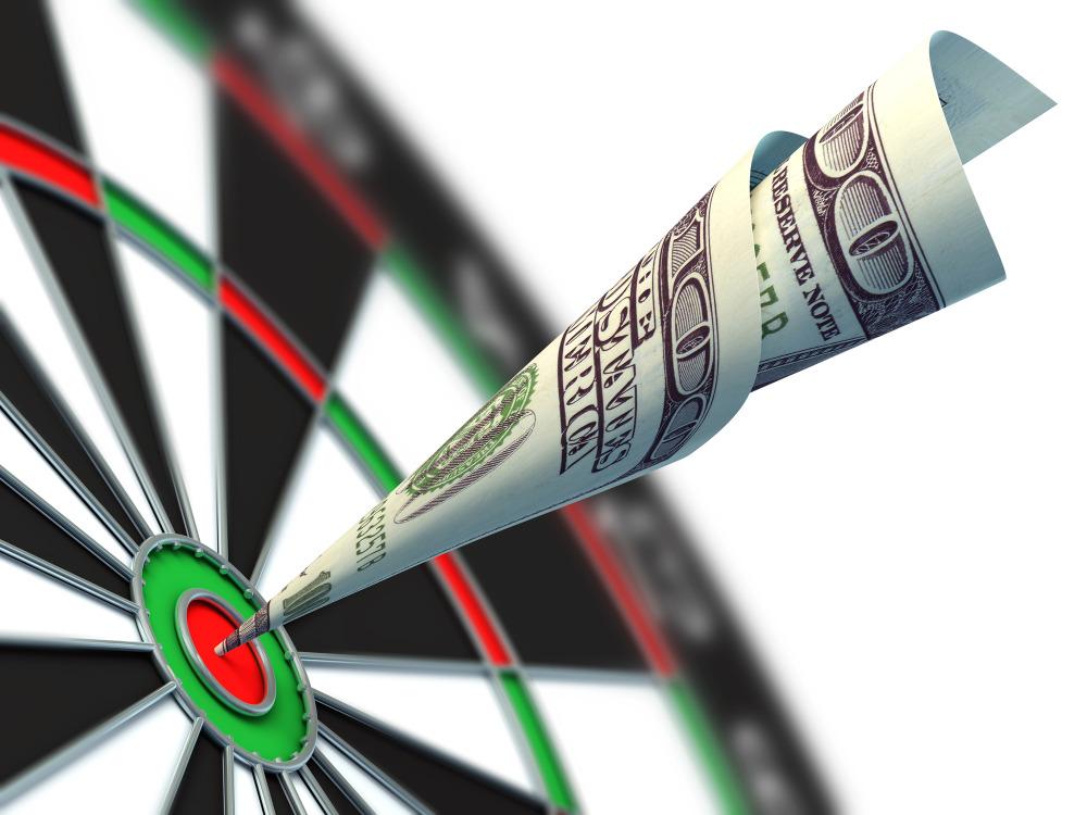 hundred-dollar-bill-bullseye-on-dartboard
