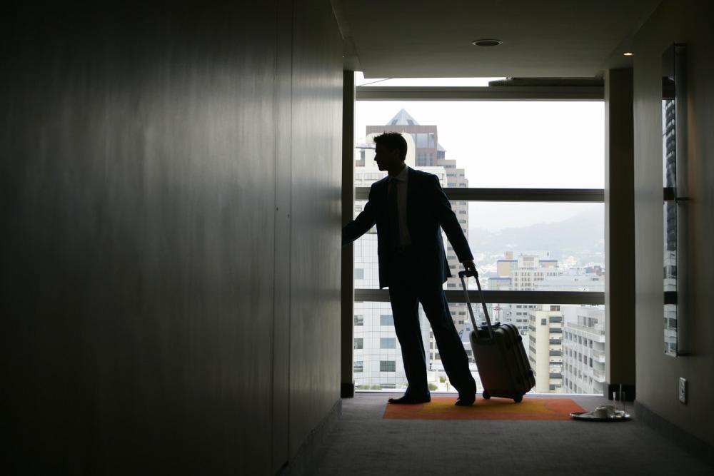 Business traveler in hotel.