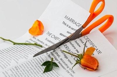 scissors-divorce-paperwork
