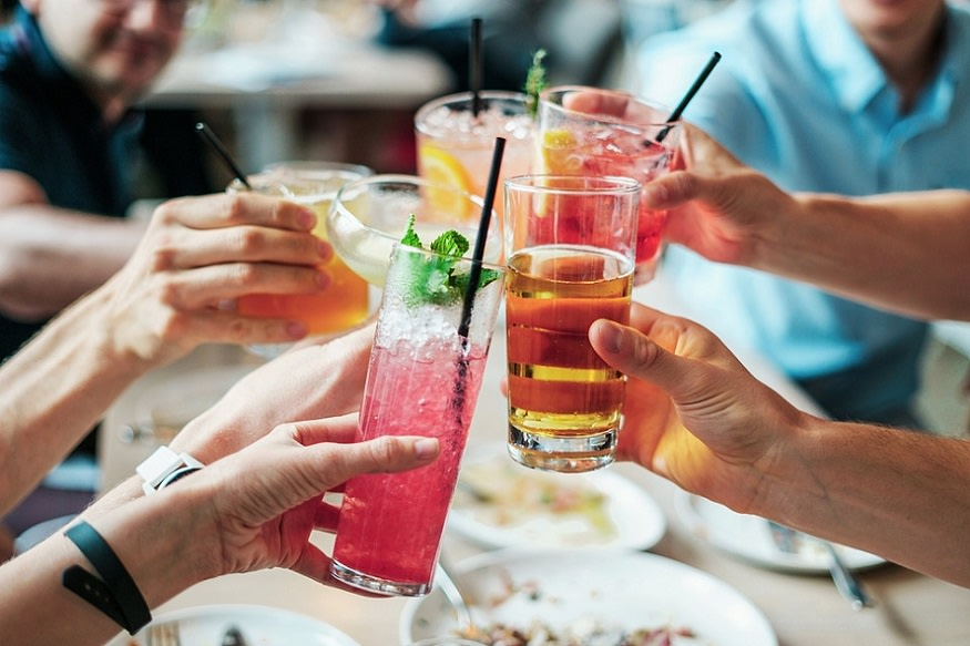 drinks-alcohol-party